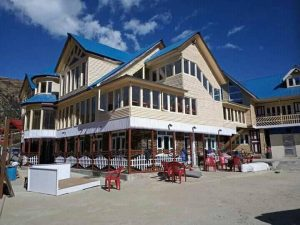 Dikki hotel in Kalinchowk With Hike on Travels