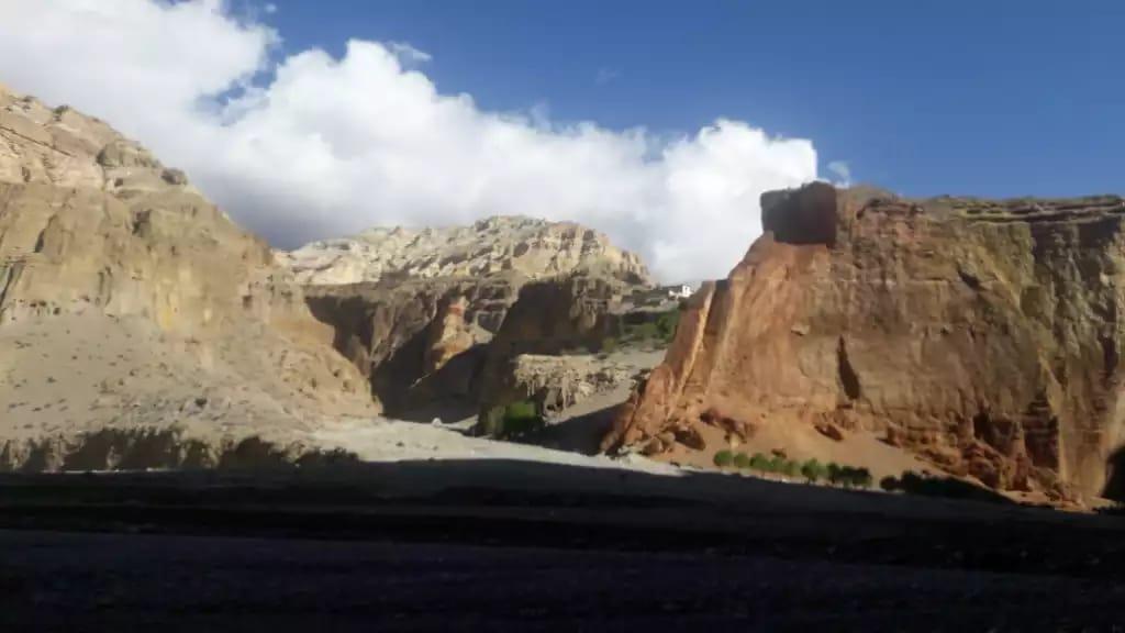 Breathtaking Views of Mustang Tour